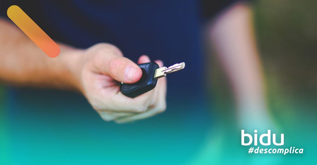 imagem de chave de carro para texto sobre carro sem entrada